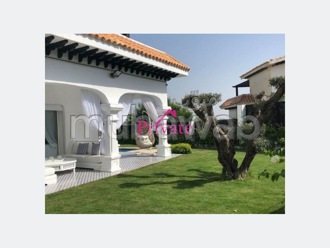 Luxury Villa for sale in Mediouna. Total area 800 m². Beautiful terrace and garden.