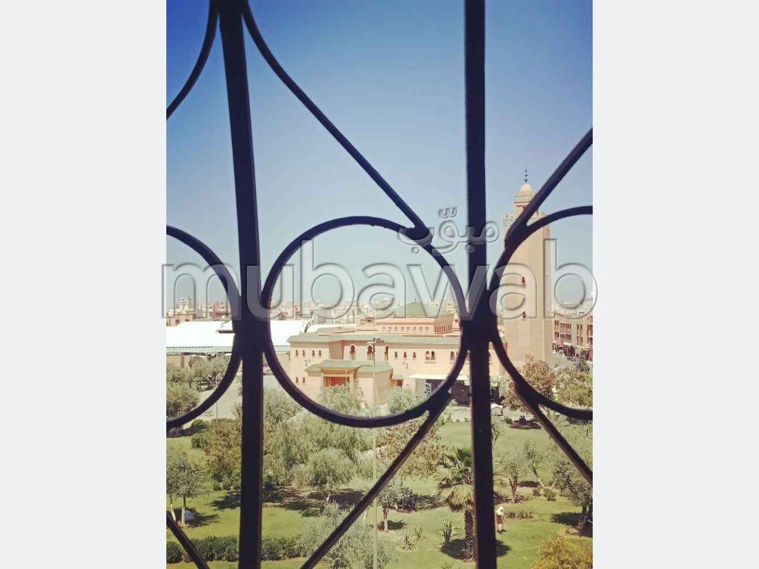 Vente d'un bel appartement à Mhamid. 2 chambres. Porte blindée, antenne parabolique.