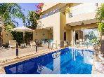 Villa de luxe à louer à prestigia. 7 pièces confortables. Meublée