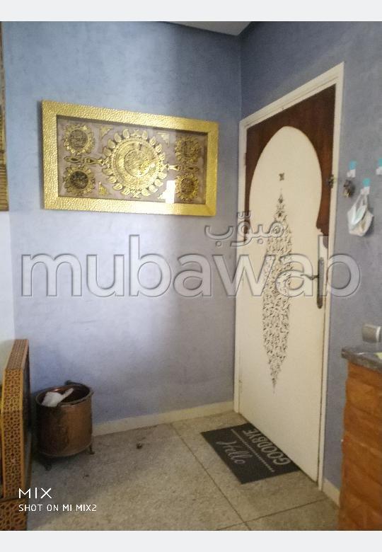 Appartement à l'achat à Tamansourt 3 chambres. Système de parabole et salon marocain