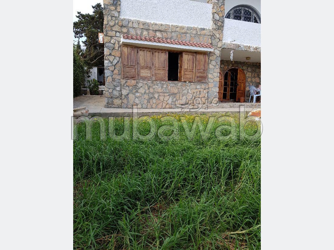 Trés grande villa à corrniche pour vente