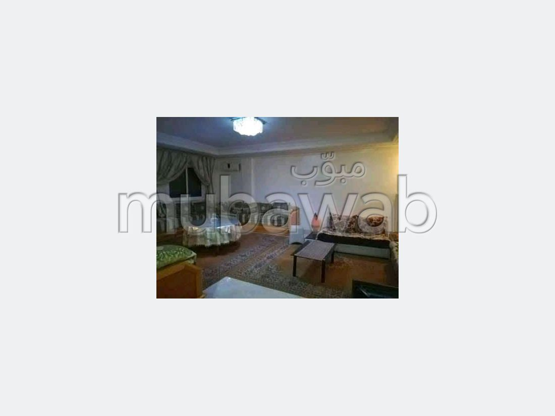 Superbe appartement à vendre à Mimosas. Surface totale 171 m². Service de concierge et climatisation