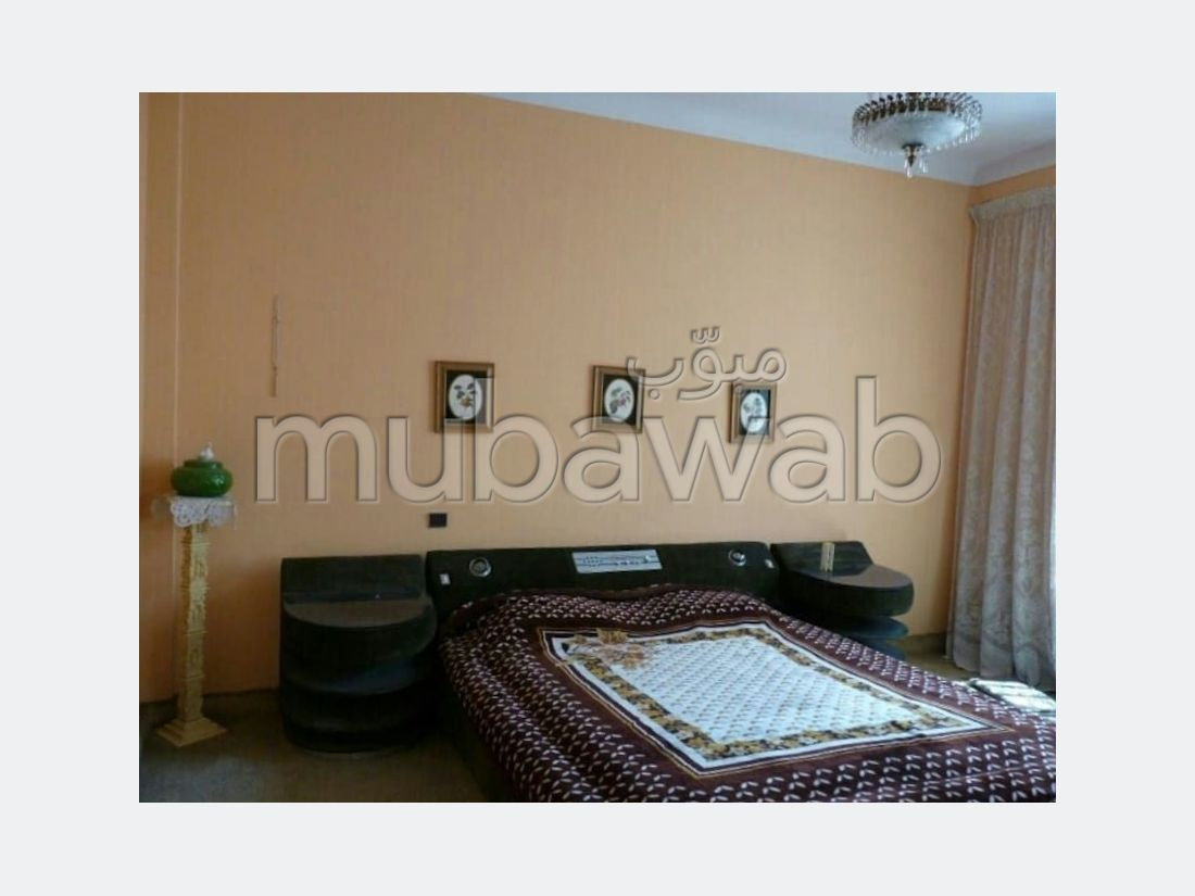 Apartments for rent in Centre. 5 Common room. Furnished.