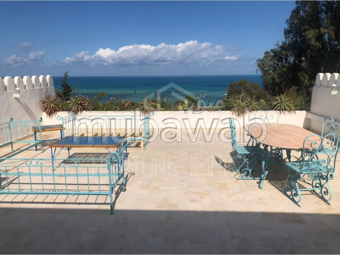 Rent an apartment in La Marsa. 2 lovely rooms. Well furnished.