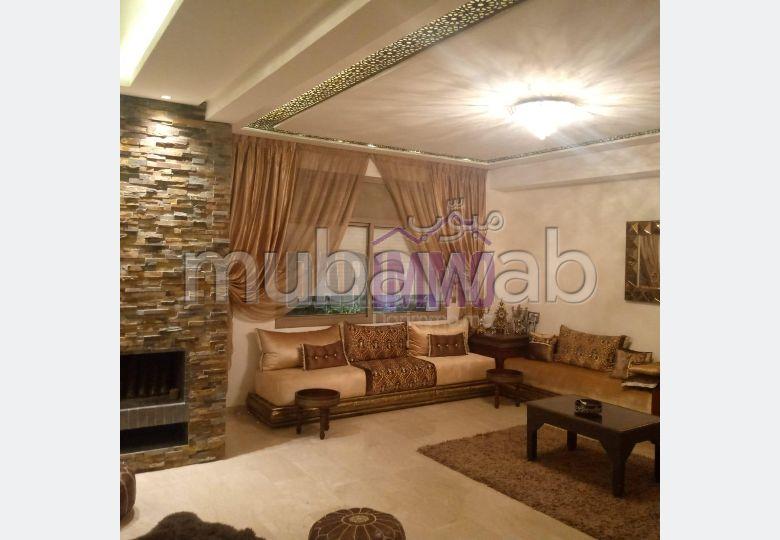 Te koop: villa's en luxe woningen. Totale oppervlakte 225 m². Garage en tuin.