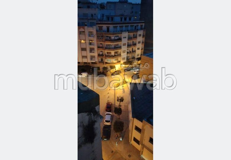 Location d'un appartement à Mozart. Surface totale 114 m². Meublé