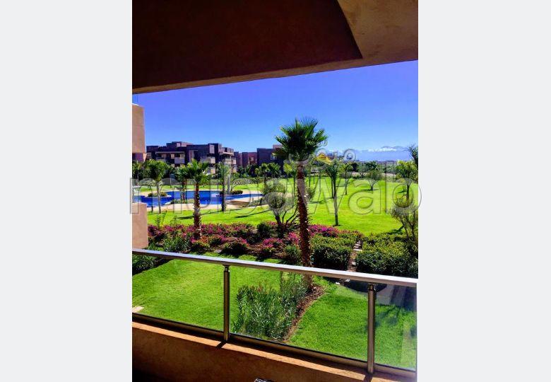 شقة للإيجار بأكدال. المساحة 78 م². حمام سباحة و نظام تكييف للهواء.