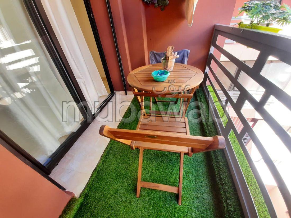 Se alquila este piso en Hivernage. Pequeña superficie 55 m². Plazas de parking y terraza.