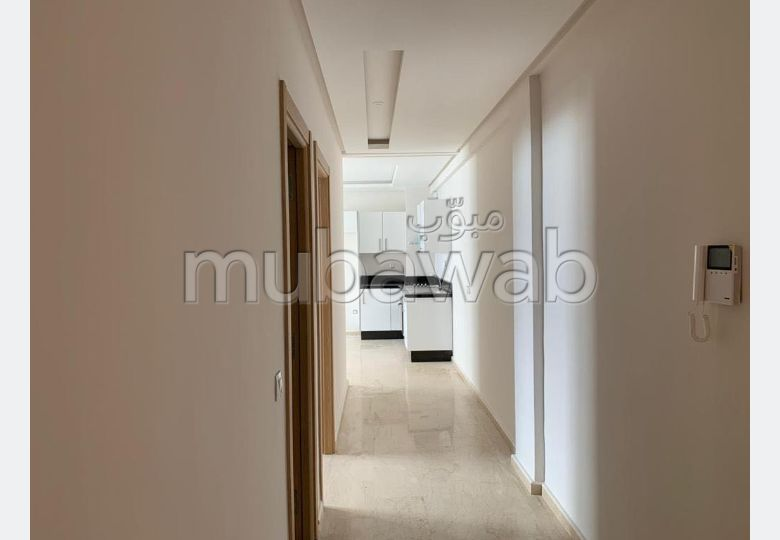 Alquila este piso en Quartier du Parc. Área total 62 m². Puerta pesada, residencia con seguridad.