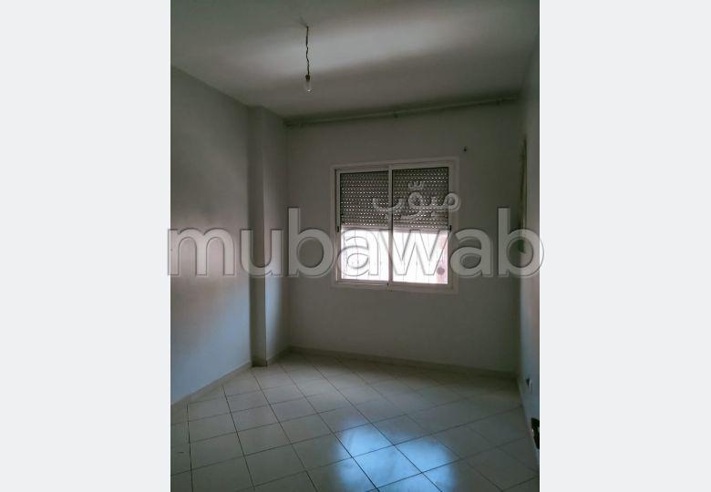 Très bel appartement en location à Hay Alfadl. 3 pièces