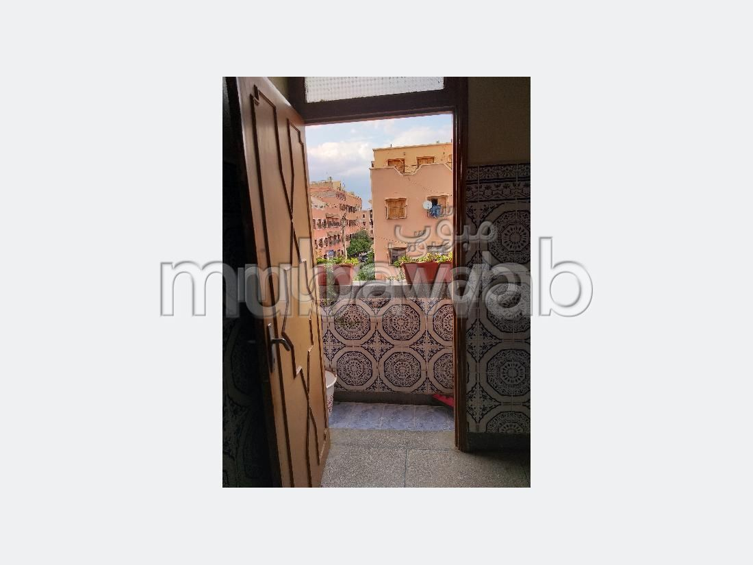 House for sale in Massira 1. Area of 88 m². Robust door, General satellite dish system.