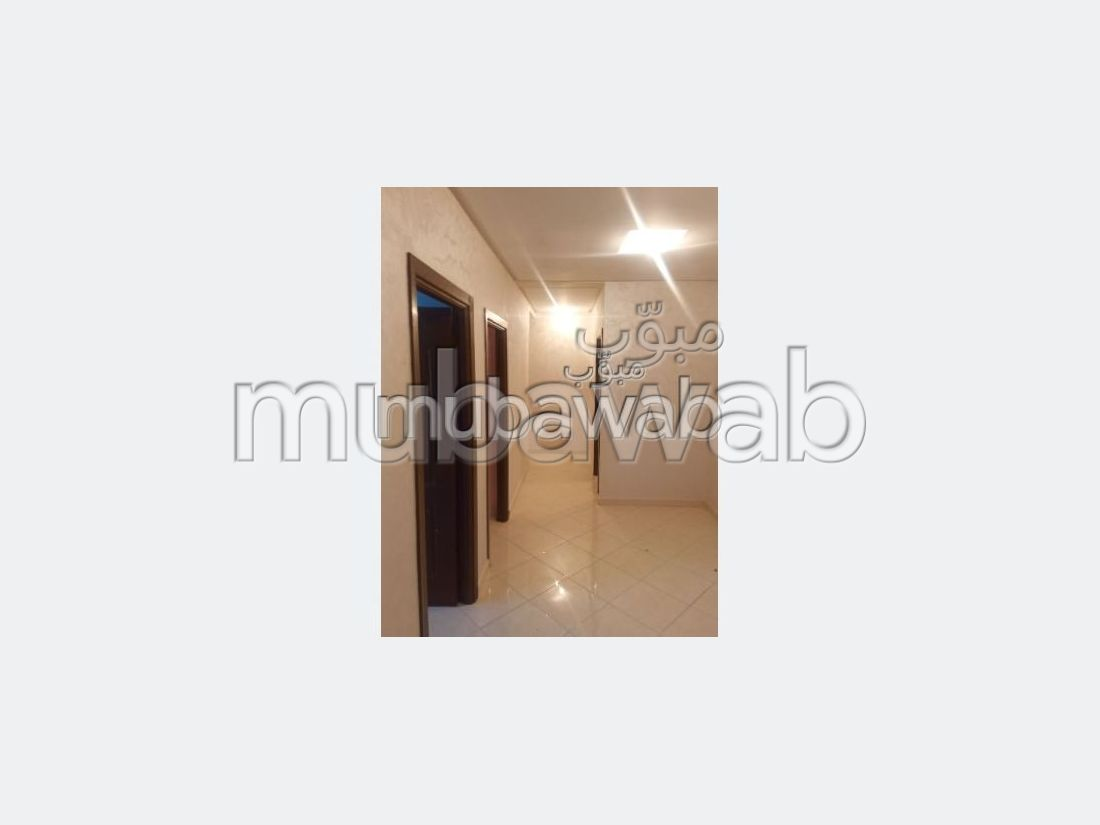 Bel appartement en location à Route de Safi. 2 chambres agréables. Salon Marocain, sécurité