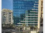 شقة جميلة للبيع ب ظهرالحمام. المساحة الكلية 104 م². باب متين ، صالون مغربي.