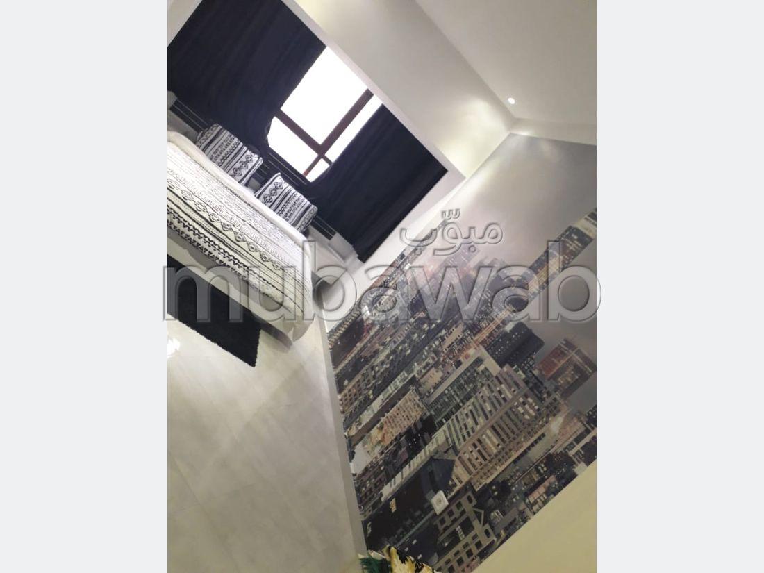 شقة للإيجار اليومي ب المنظر الجميل. المساحة 90 م². مصعد