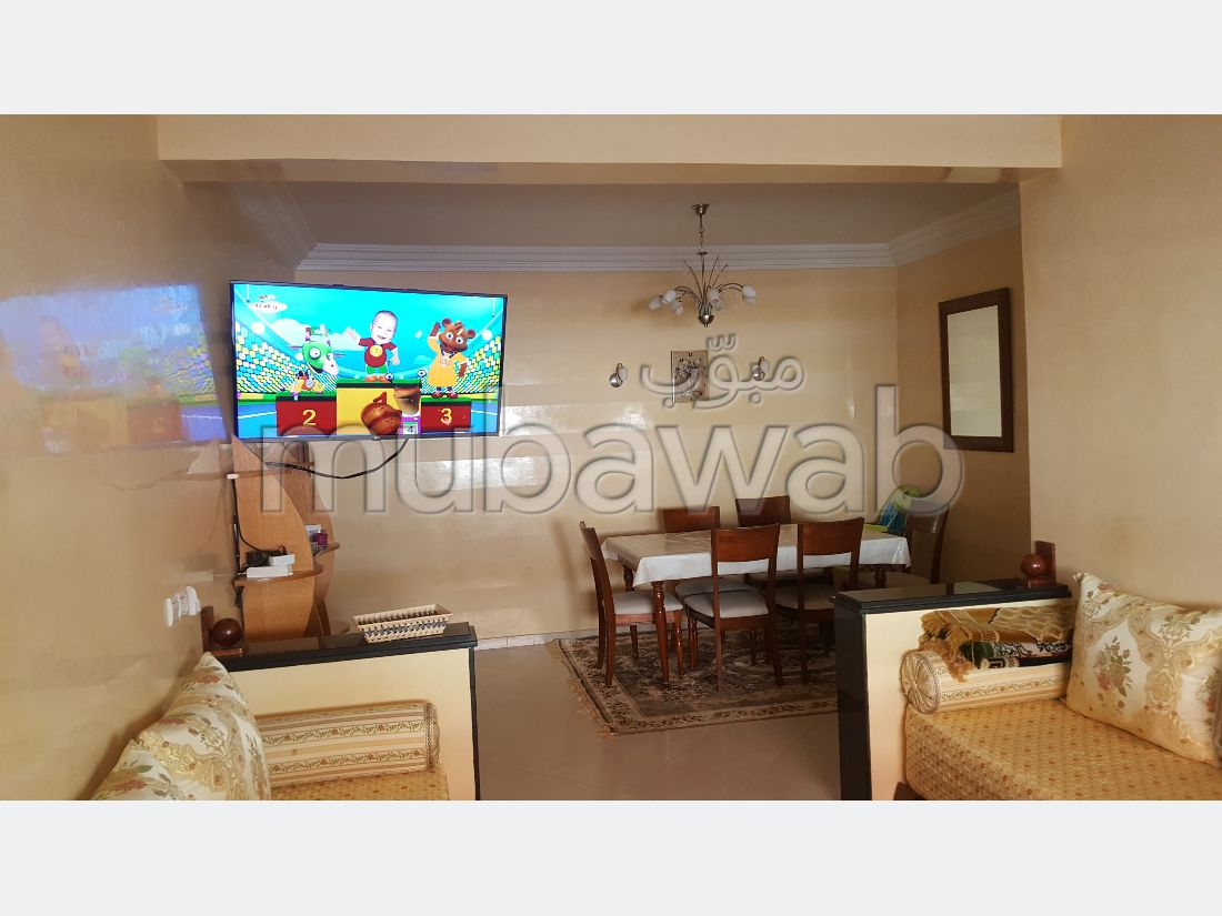 Apartment to purchase in Hay Chmaou. 3 Studio. caretaker available, air conditioning system.