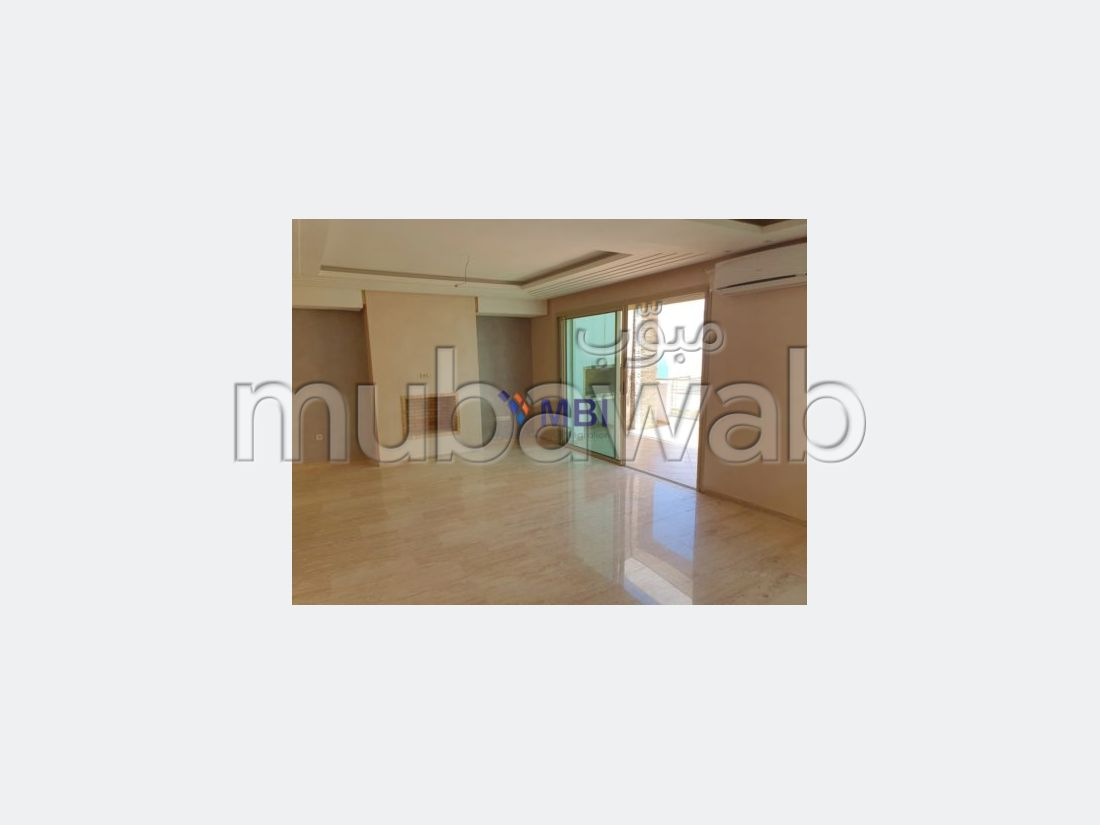 Fabulous apartment for sale in Malabata. 2 Master bedroom. Garden and terrace.