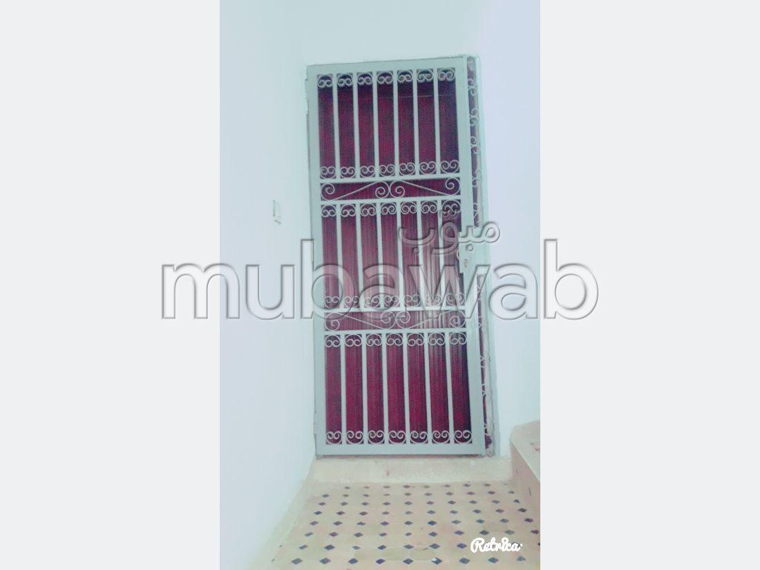 Piso en venta en Hay Najah. 2 Gabinete. Puerta de seguridad.