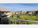 شقة رائعة للإيجار بأكدال. المساحة 95 م². شرفة وحديقة.