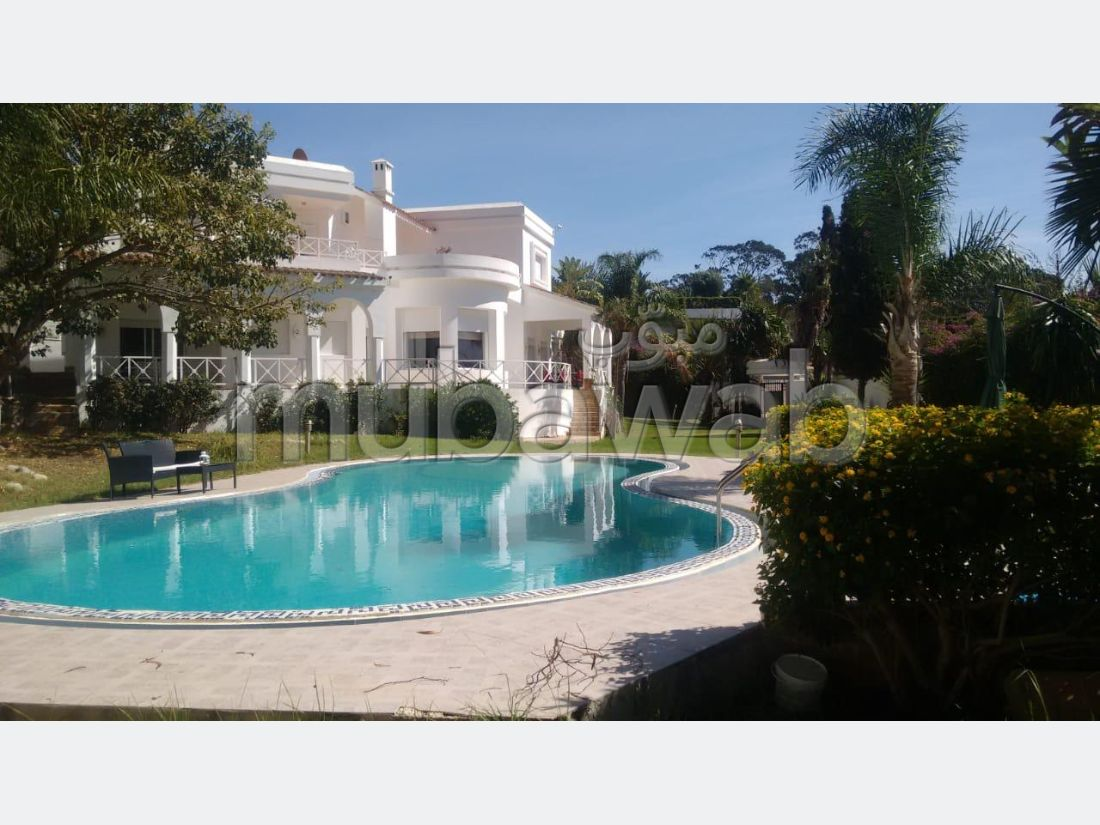 High quality villa rental in Jbel Kbir. 5 rooms. Furnished.
