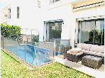 Villa de alto standing en alquiler. Gran superficie 340 m². Garaje y terraza.