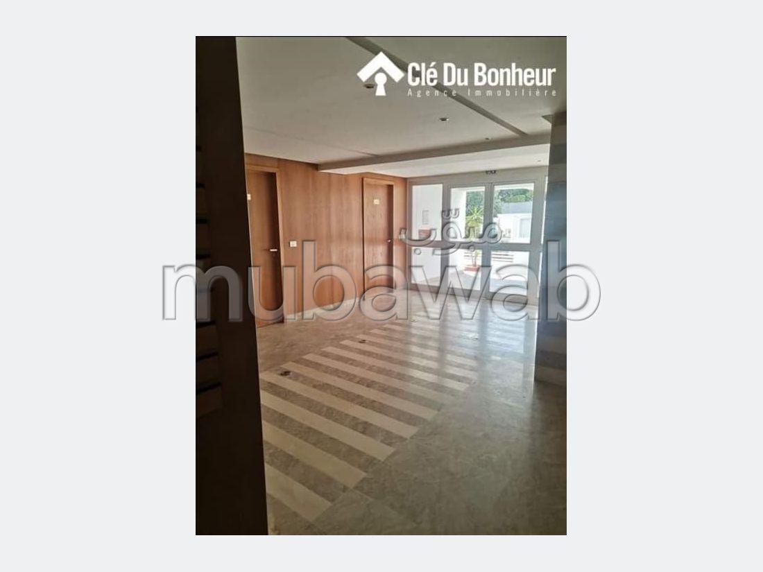 Appartement S5 de 250 m² à Jardin Manzah 2