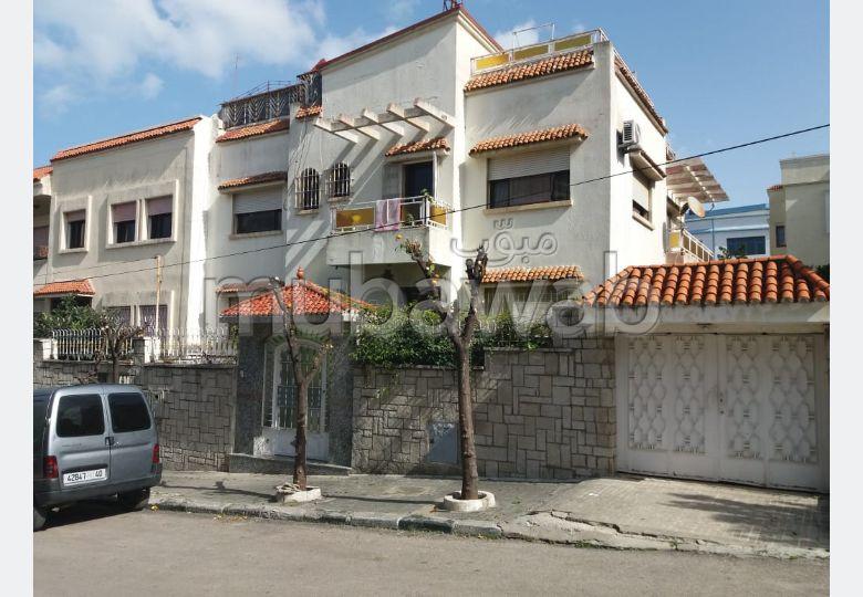 Villa de lujo en venta en Charf. 7 dormitorios. puerta de seguridad, salón amueblado marroquí.