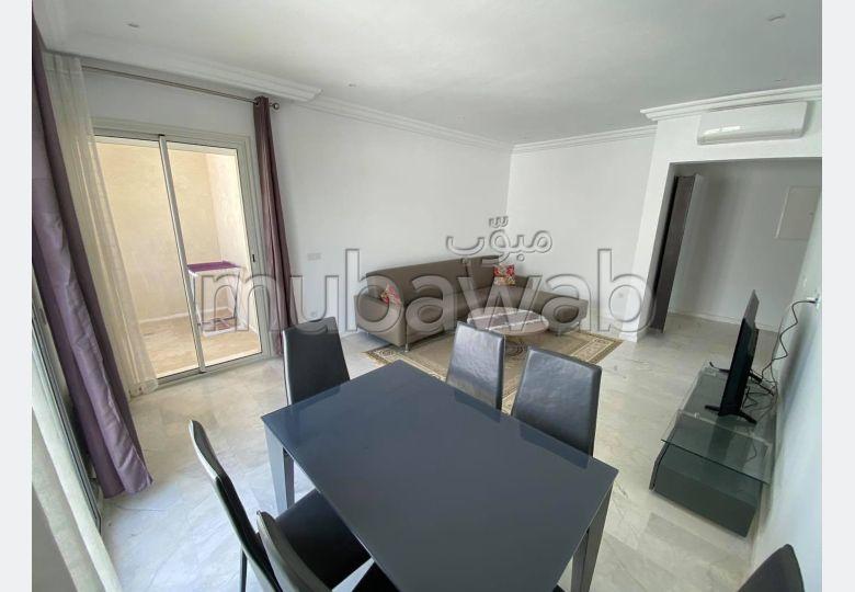 شقة جميلة للكراء ب سيدي بو سعيد. 3 غرف جميلة. مفروشة.