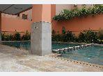 Encuentra un piso en alquiler en Guéliz. Area 57 m². Residencia con conserje, piscine grande.