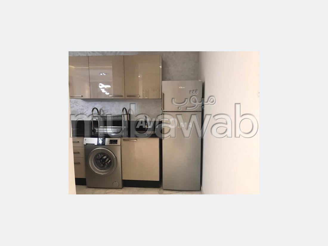 Location d'un appartement à Guéliz. Surface totale 83 m². Bien meublé.
