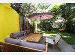 منزل ممتاز للبيع -بحي السلام -السيال. المساحة 361 م². شرفة جميلة وحديقة.
