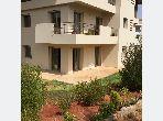 Se vende piso. Área total 185 m². Hermosa terraza y jardín.
