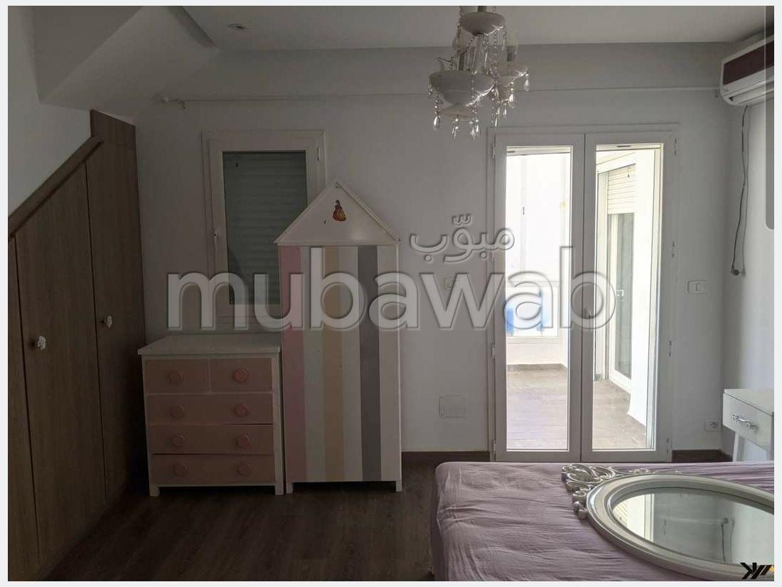 A louer un duplex retapé en S4 à Manar 1