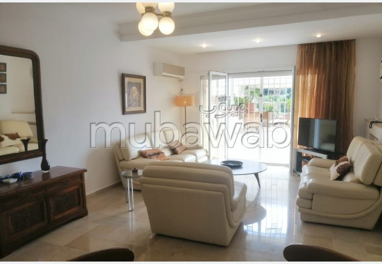 Apartment for rent in Cité Les Pins. Total area 450 m². New furniture.