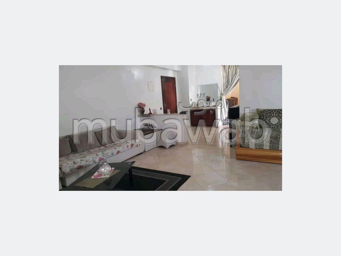 شقة جميلة للبيع ب ميموزا. 5 قطع مريحة. باب متين،إقامة مؤمنة.