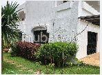 Magnífica villa en venta en CIL (Hay Salam). 9 habitaciones. Aparcamiento y balcón.