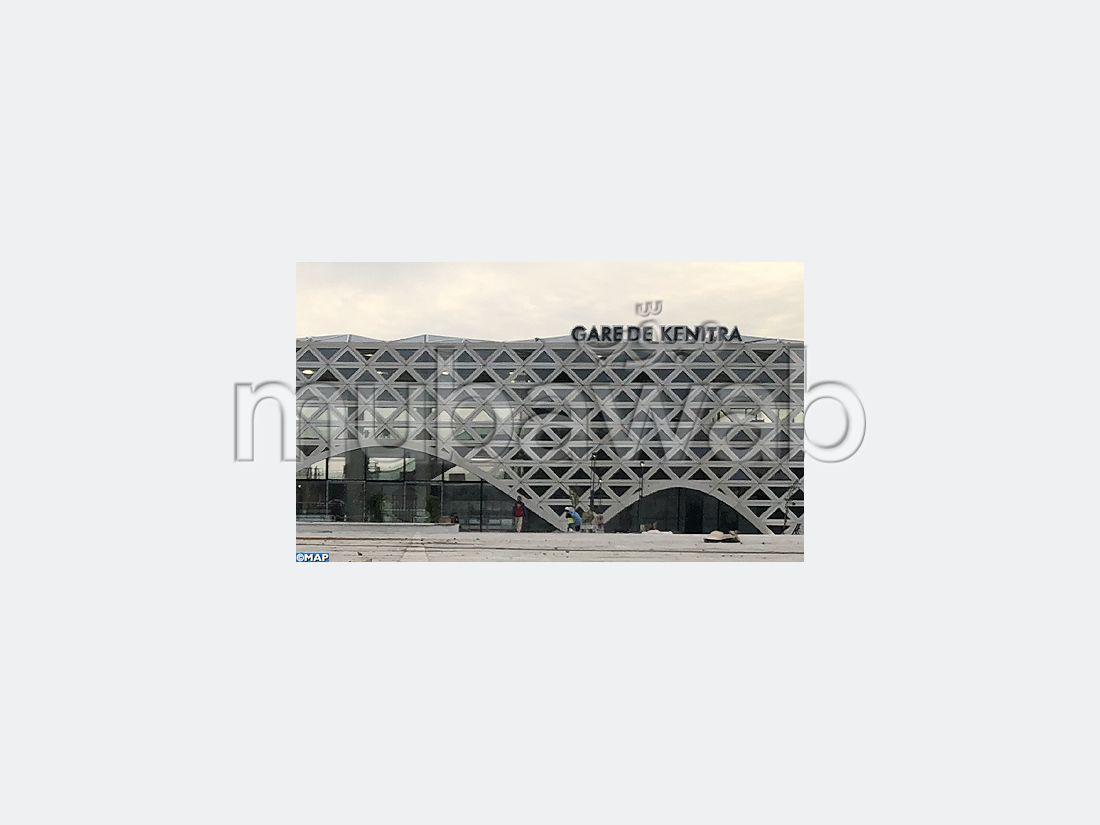 Appartamento in vendita a Maamora. Superficie 146 m². Con ascensore e terrazzo.