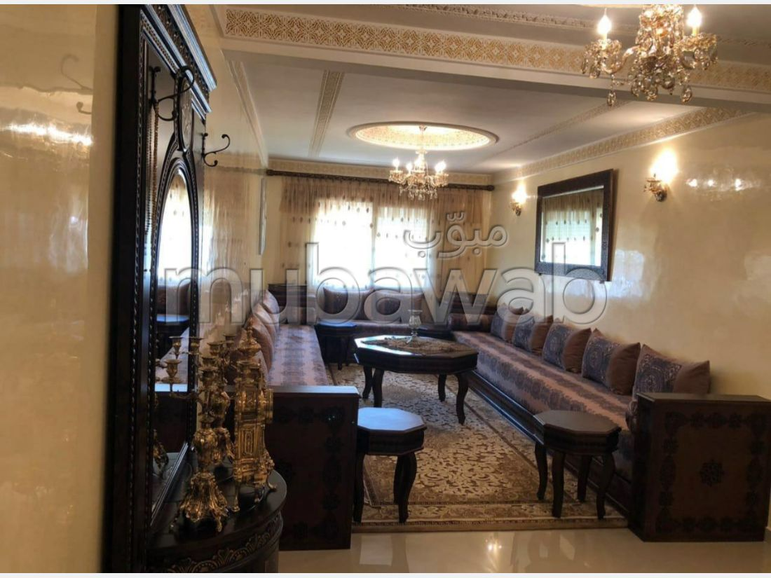 Find an apartment for rent in Moujahidine. Area 90 m². Storage unit.