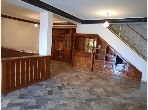 شقة للكراء بحي الشتوي. 3 غرف رائعة. المدفأة وخدمة حارس الإقامة.
