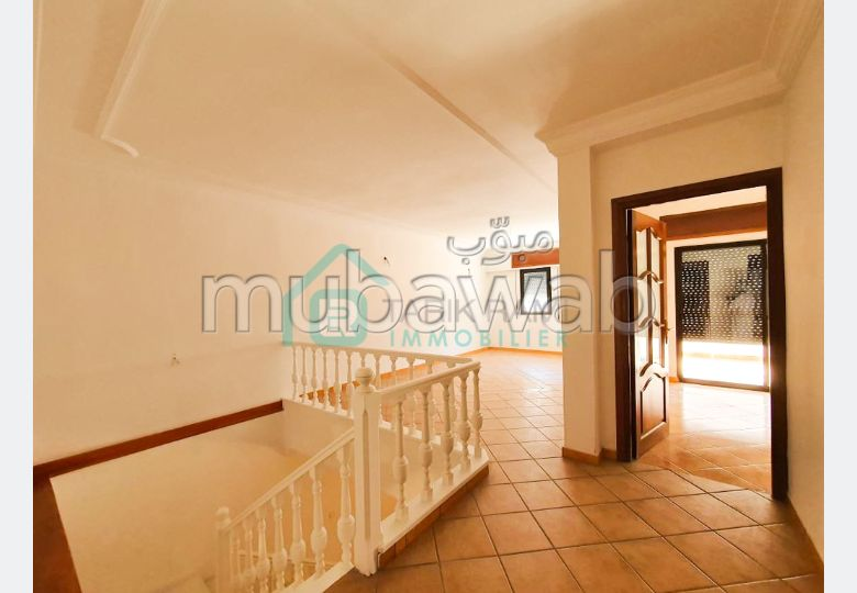 Rent this apartment in Centre. 2 Small room. Large terrace.