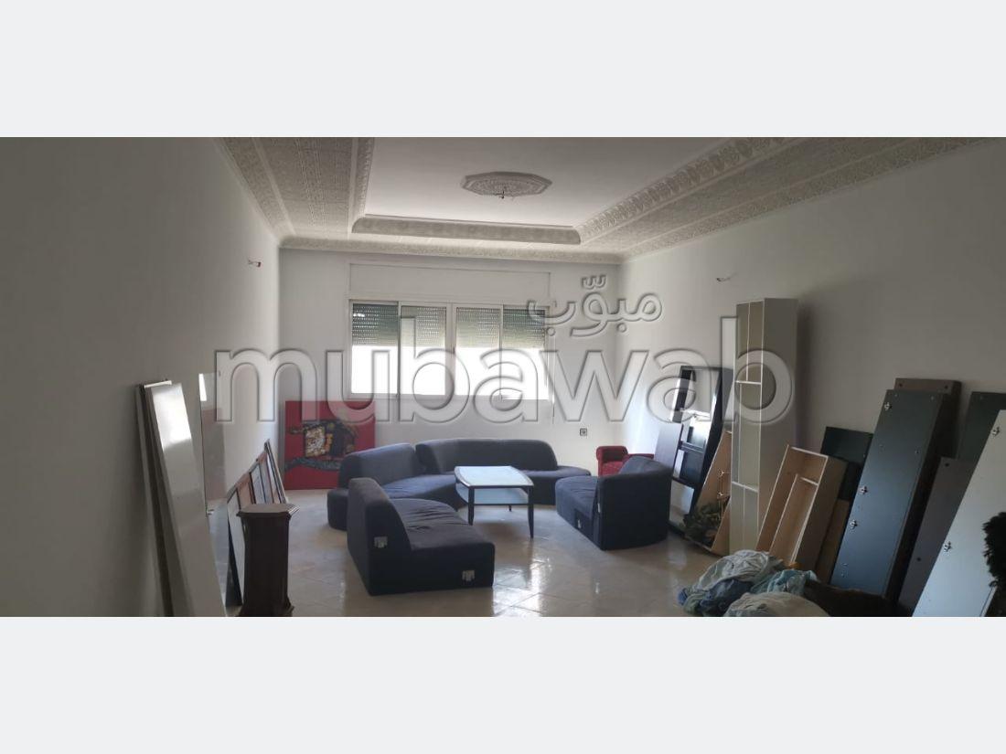 شقة رائعة للبيع ب ميموزا. المساحة الكلية 112 م². مصعد متوفر.