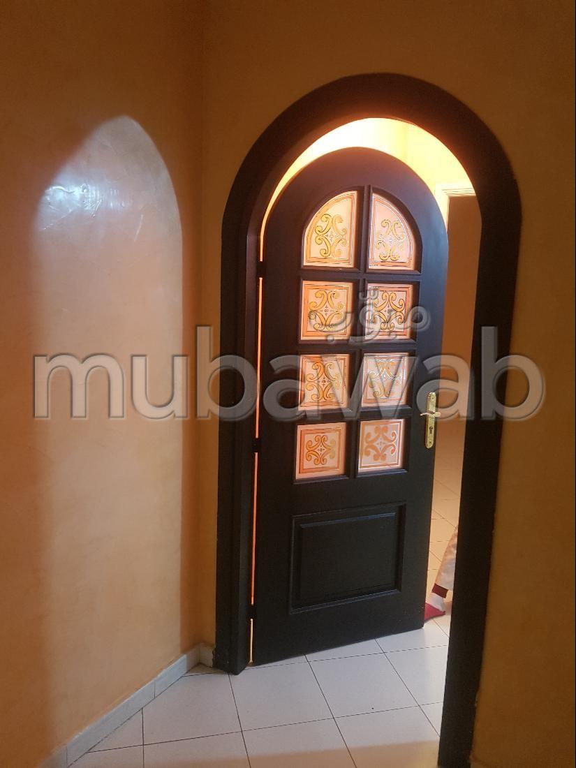 Alquila este piso en Castilla. 2 Dormitorio. Con Ascensor, balcón.
