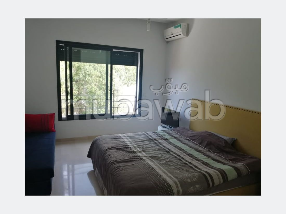 Lovely apartment for rent in La Marsa. Dimension 260 m². Cellar.