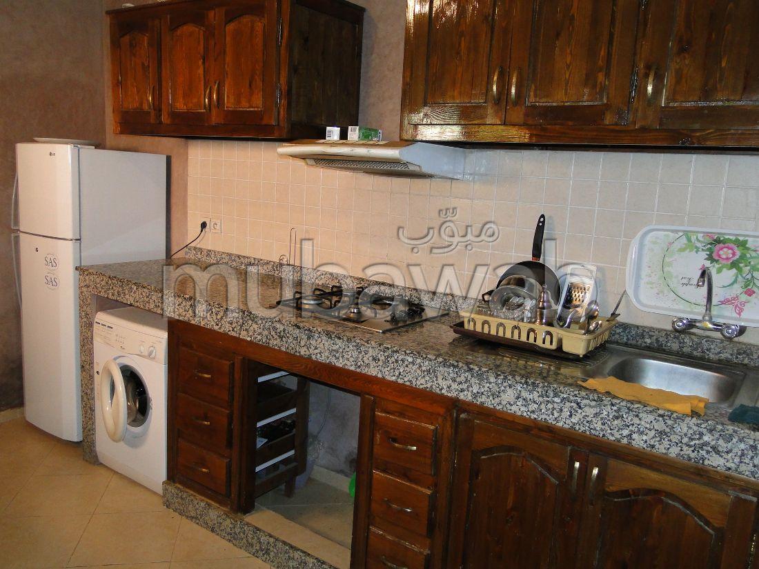 Bonito piso en alquiler en Hay Mohammadi. Gran superficie 96 m². Mobiliario.