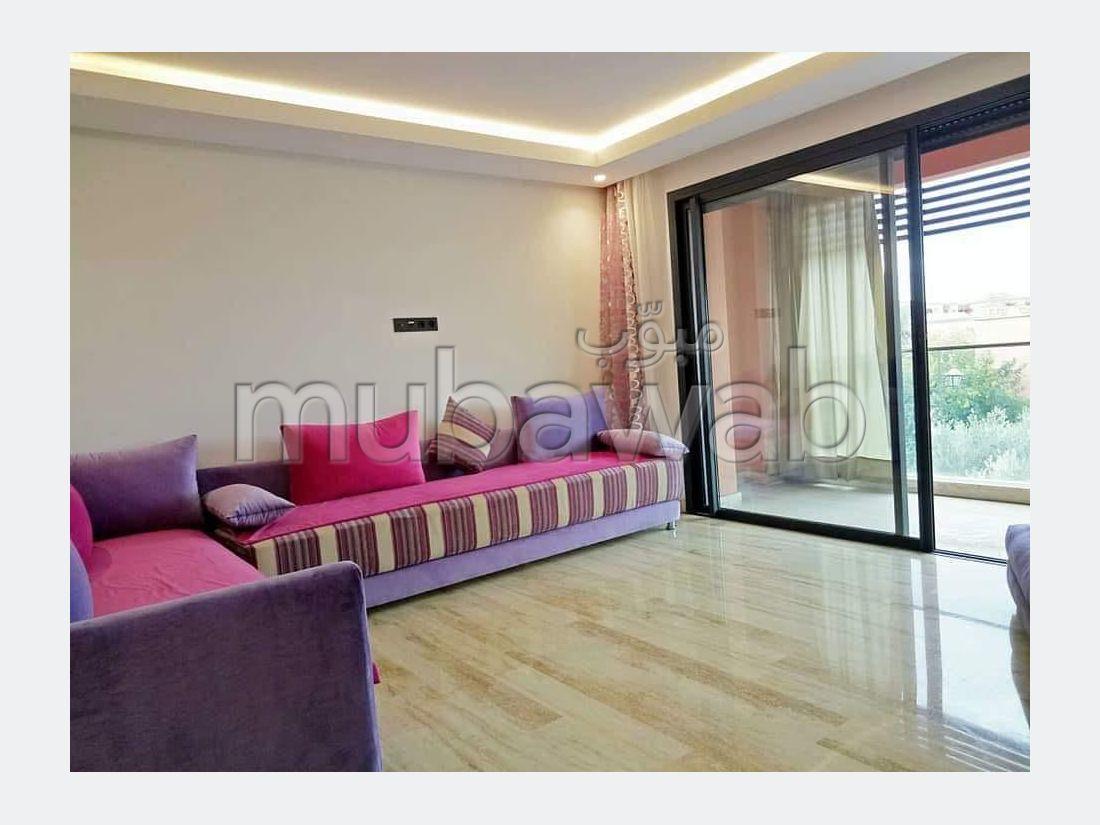 Alquila este piso en Guéliz. 3 Salas. Ascensor y garaje.