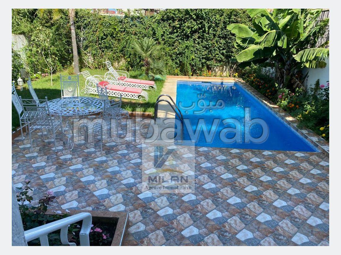 Splendid villa for sale in Malabata. Surface area 360 m².