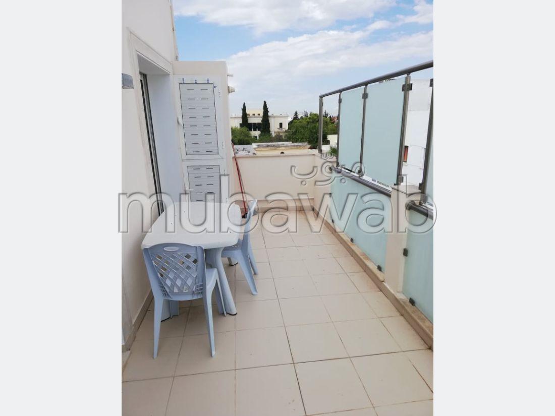 S1 meublé avec terrasse au centre de la marsa