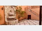 شقة رائعة للايجار بتاركة. 2 غرف. أماكن وقوف السيارات وشرفة.