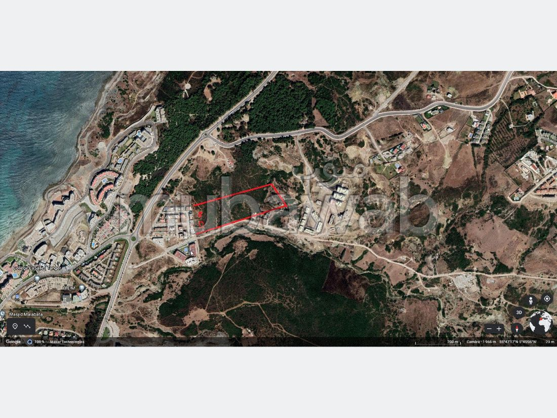 Land for sale in manar. Large area 200 m².