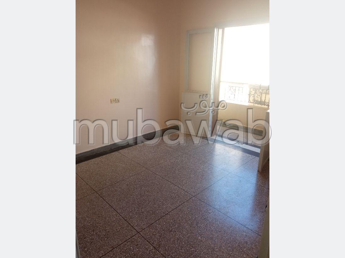 Piso en venta en Ouled Moussa. Area 86 m². Balcón.