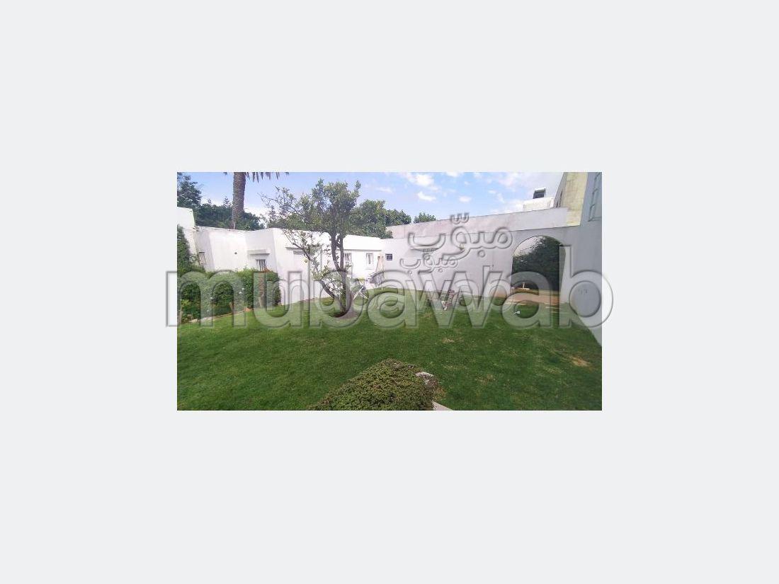 Magnifique villa plain pied à louer vide 4Ch avec jardim Quartier Hippodrome / Longchamp